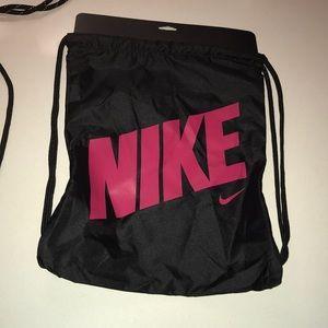 nike ck1191-013 drawstring bag
